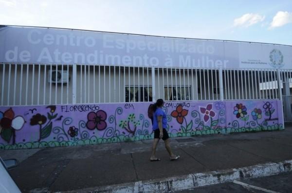 DEU NA MÍDIA - Centros de atendimento à mulher ficam limitados em Ceilândia e Planaltina. Matéria do Jornal de Brasília