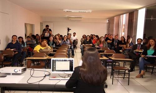 Seminário: Enfrentamento à violência de gênero: Um diálogo de trabalhadores(as) Concepção de políticas públicas e condições de trabalho